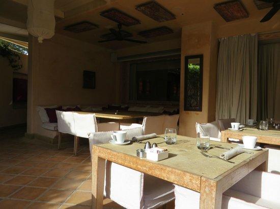 The Margi: Terrasse petit-déjeuner
