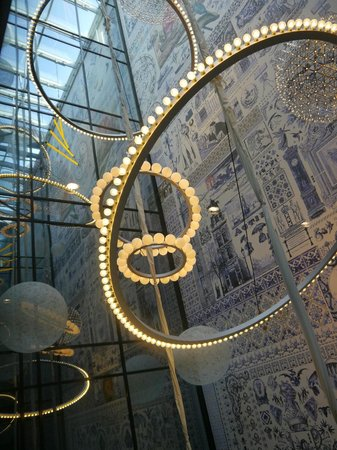 Andaz Amsterdam Prinsengracht: The beautiful vaulted ceiling from inside the glass elevator.