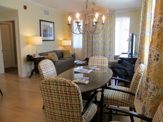 Wild Dunes Resort: Main living room and dining area with doors to balcony