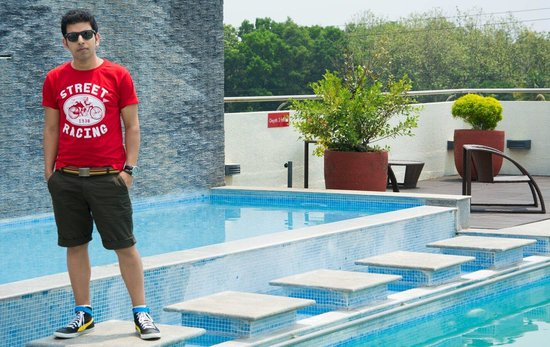 Flora Airport Hotel : Rooftop Pool..