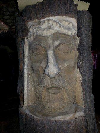 Al Cardellino : Esposizione dello scultore bardolinese Joe Loro