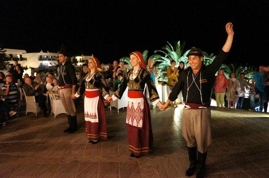 Mitsis Rinela Beach Resort & Spa : Вечернее шоу
