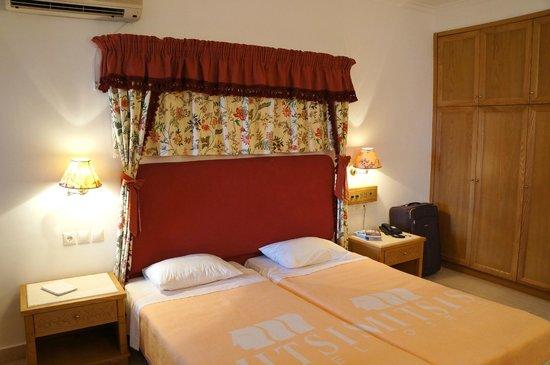 Mitsis Rinela Beach Resort & Spa : Семейный номер на четверых (712)