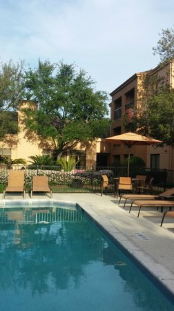 Courtyard by Marriott Houston Hobby Airport: Pool
