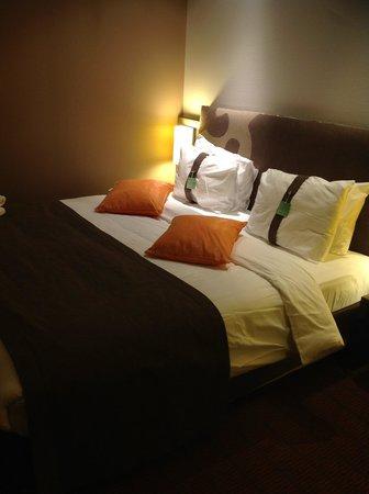 Holiday Inn Almaty : 寝心地よいベットです
