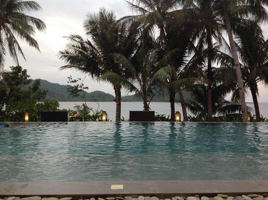 El Nido Resorts Pangulasian Island: pool area