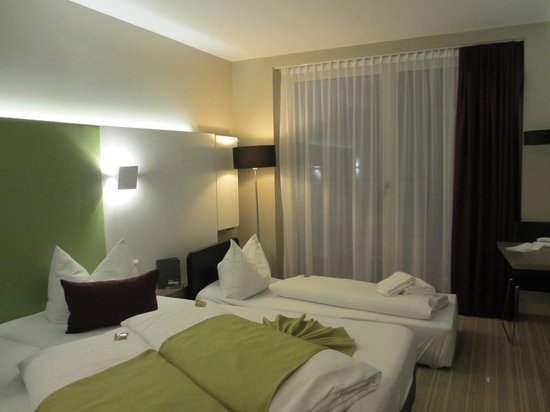 Hotel Demas City: Room