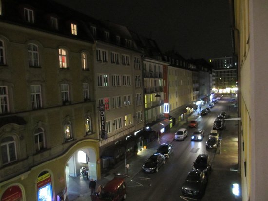 Hotel Demas City : View from the room