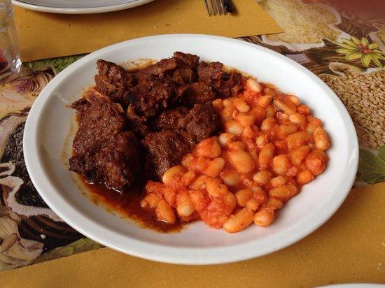Il Ceppo: Cinghiale in umido con fagioli