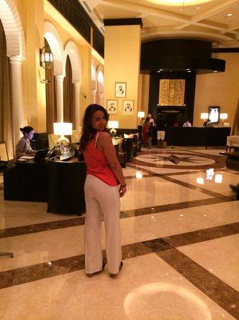Movenpick Ibn Battuta Gate Hotel Dubai: In the Hotel reception