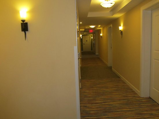 Wild Dunes Resort : Hallway of condo