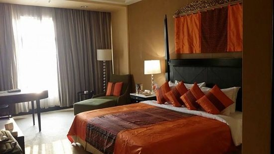 NagaWorld Hotel & Entertainment Complex : the old wing rooms
