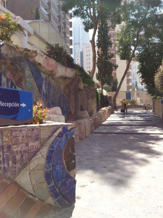 Apartamentos Levante Club: Entrada al hotel