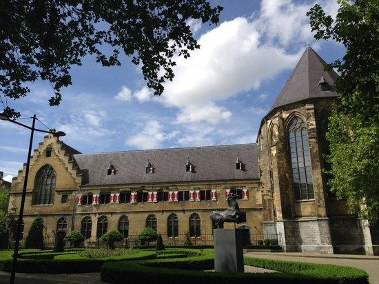 Kruisherenhotel Maastricht: Edifício do hotel