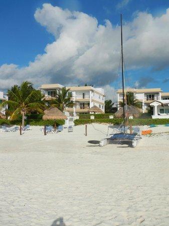 Casita Blanca Condos : View from the beach