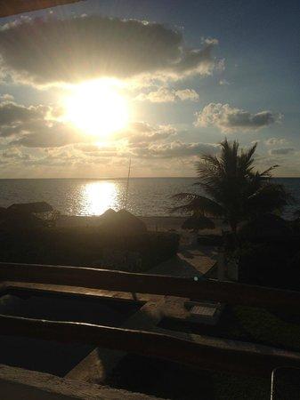 Casita Blanca Condos : Sunrise