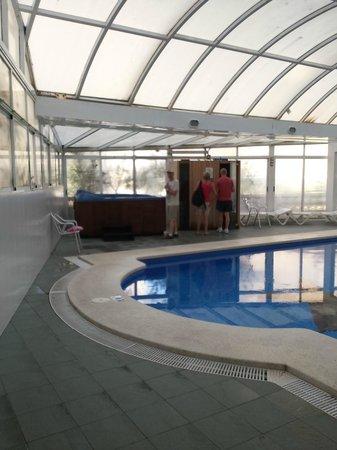Apartamentos Levante Club: Yacuzzi, sauna y piscina climatizada