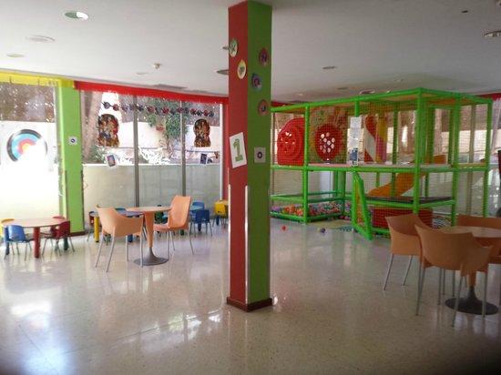 Apartamentos Levante Club: Juegos para los niños
