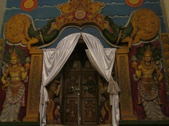 Temple de la Dent : Detail in the Temple