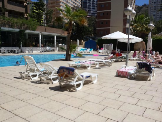 Apartamentos Levante Club: Piscina