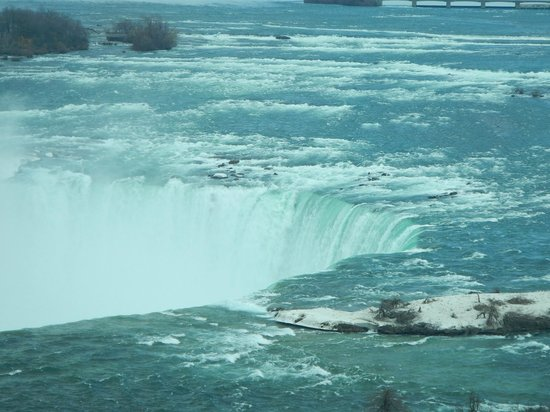 Radisson Hotel & Suites Fallsview: Beautiful view of the Falls from our room
