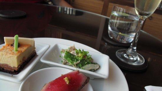 InterContinental Bangkok : nibbles at the lounge