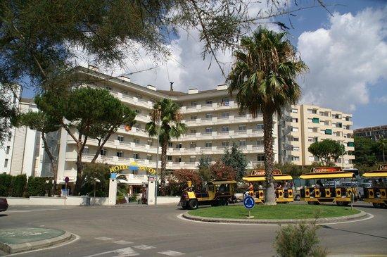 Hotel Savoy Lloret de Mar: Fachada