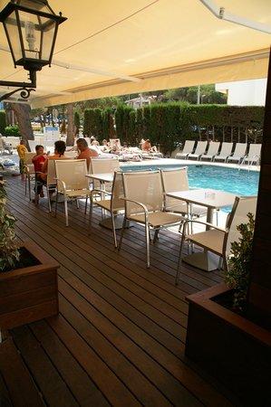 Hotel Savoy Lloret de Mar: Terraza Bar