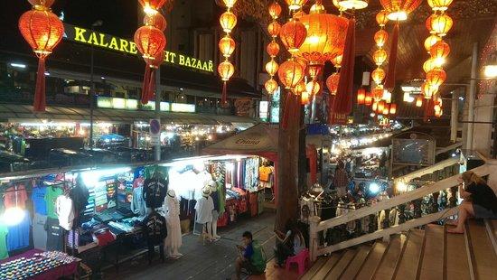 Dusit D2 Chiang Mai : Night bazaar, at night, -:)