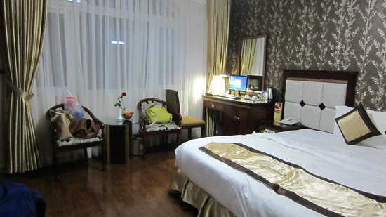 Signature Saigon Hotel: room