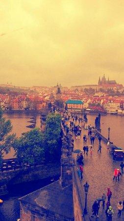 SANDEMANs NEW Europe - Prague : Praga vista desde una de las torres del Puerte Carlos
