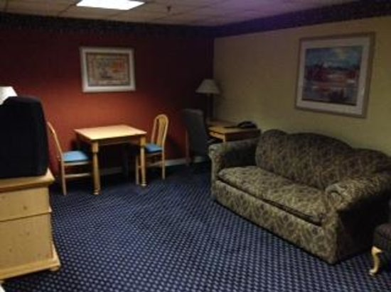 Americas Best Value Inn & Suites - Bush Int'l Airport Wes: Sitting room