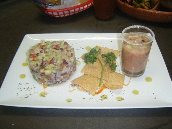 Margaritas Restaurant Bar & Grill: la mas completa parrillada de mariscos , la recomiendo
