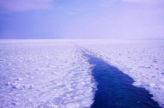 Abashiri Sightseeing Icebreaker Aurora : 船後方から