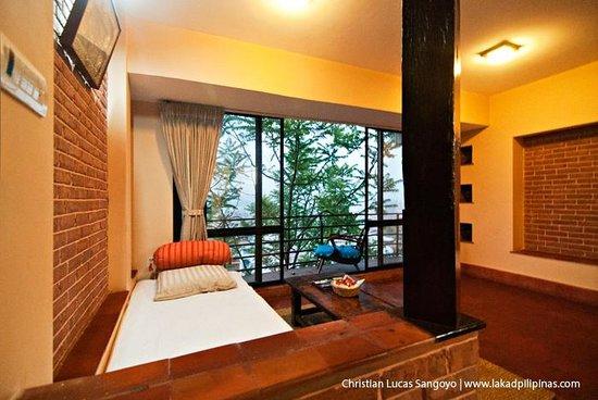 Thagu Chhen : The living room area