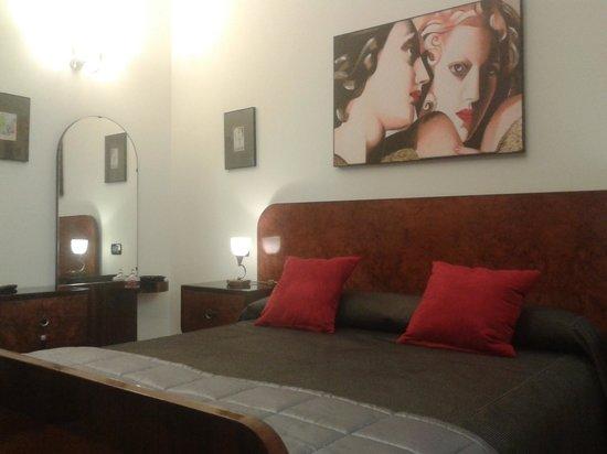 Hotel San Nicolo: camera Parigi