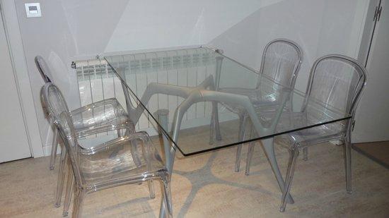 Eric Vökel Boutique Apartments - Atocha Suites: Salón-comedor