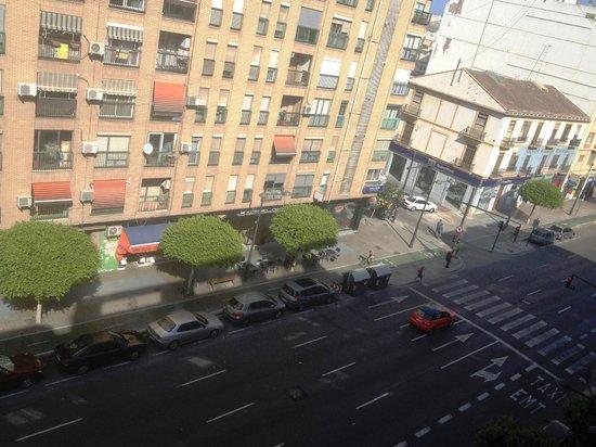NH Ciudad de Valencia: Vista da janela - Avenida del Puerto