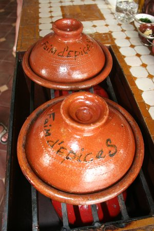 L'atelier Faim d'Epices : you cook in these tajines