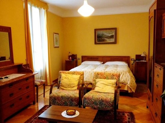 Hotel Olivedo: Large, comfortable room with great view
