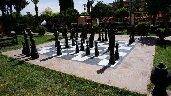 Sofitel Marrakech Lounge and Spa : giant chess