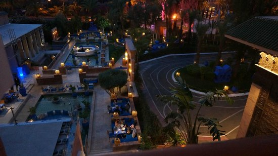 Sofitel Marrakech Lounge and Spa : view over one of the restaurants