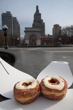 Dominique Ansel Bakery: Eat Your Cronuts at Washington Square Park