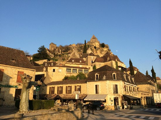Hotel Pontet : View from the main street