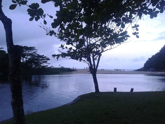 Itamambuca Eco Resort : river and sea, from the camping area