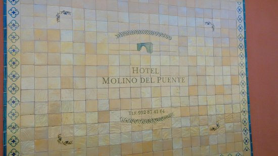 Hotel Molino del Puente Ronda: the outside wall of the hotel