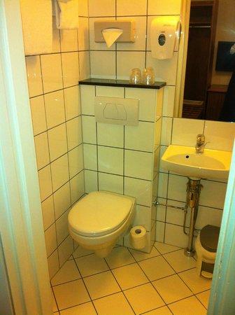 Best Western Karl Johan Hotell: Banheiro