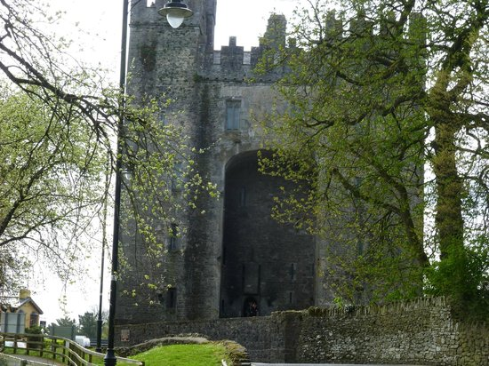 Innisfree B&B: Bunratty Castle just down the road