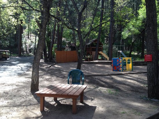 The Butterfly Garden Inn : Playground
