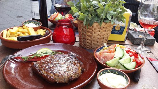 Steakhouse Carnal: We had our meal outside, very nice